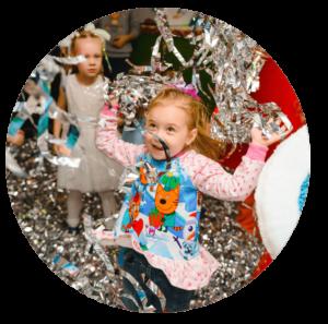 Urodziny dla dzieci na salach w Kaliszu i Jarocinie to super zabawa dla młodszych i starszych