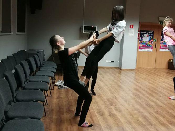 Gimnastyka artystyczna dla młodzieży