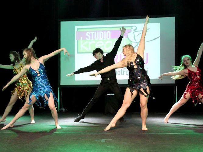 taniec towarzyski dla młodzieży i dorosłych