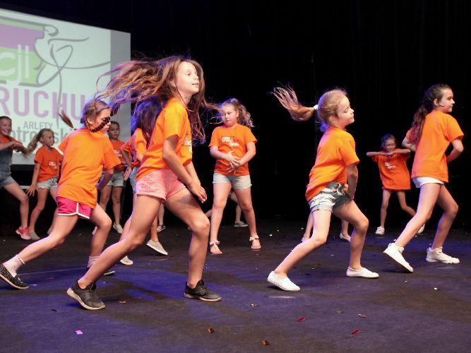 zajęcia taneczne dla dzieci kalisz w wieku 7-11 lat