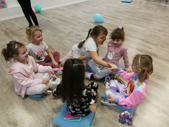 zabawy i gry - urodziny dla dzieci SKR