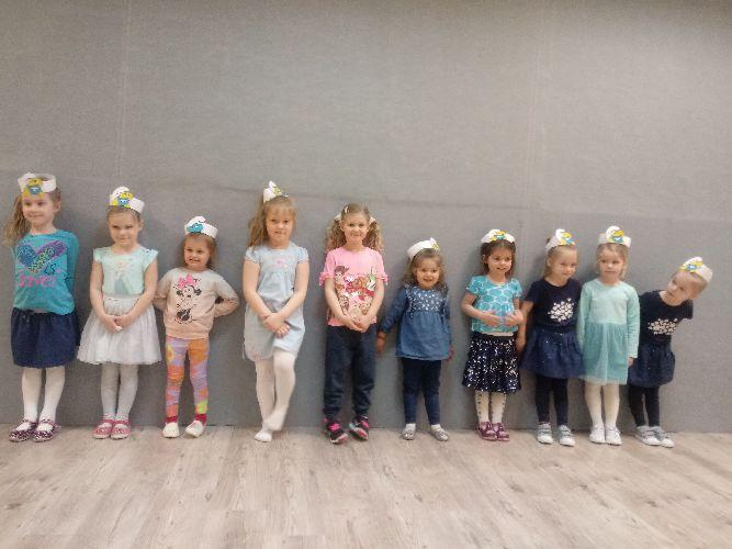 Nowe zajęcia w naszej szkole - bajkowe pląsy