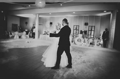 Widowiskowy taniec nowożeńców